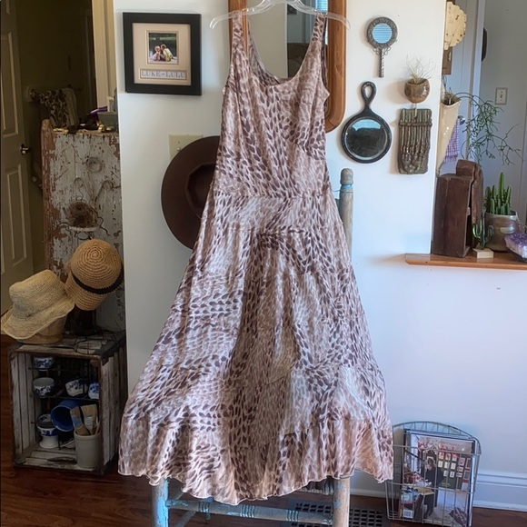 Jones Wear Dresses & Skirts - Tiered Jones Wear dress